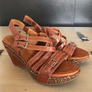 Naya Leather Wedge Sandals Size 7.5M